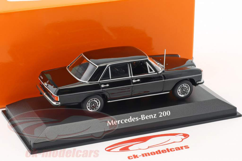Mercedes-Benz 200 (W115) Opførselsår 1968 sort 1:43 Minichamps
