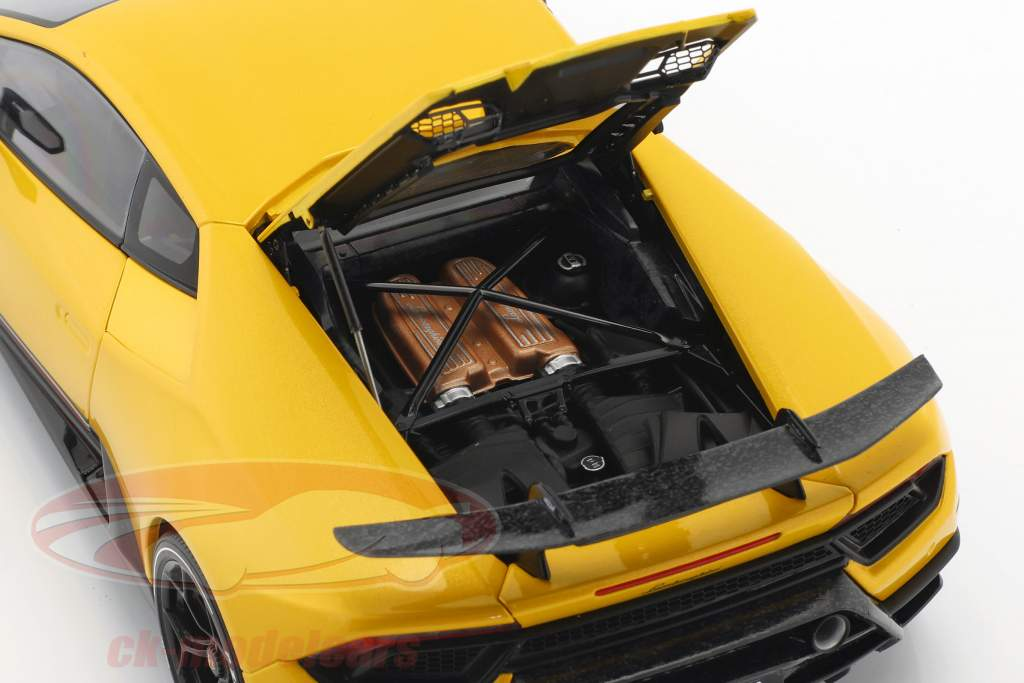 Lamborghini Huracan Performante année de construction 2017 perle jaune 1:18 AUTOart