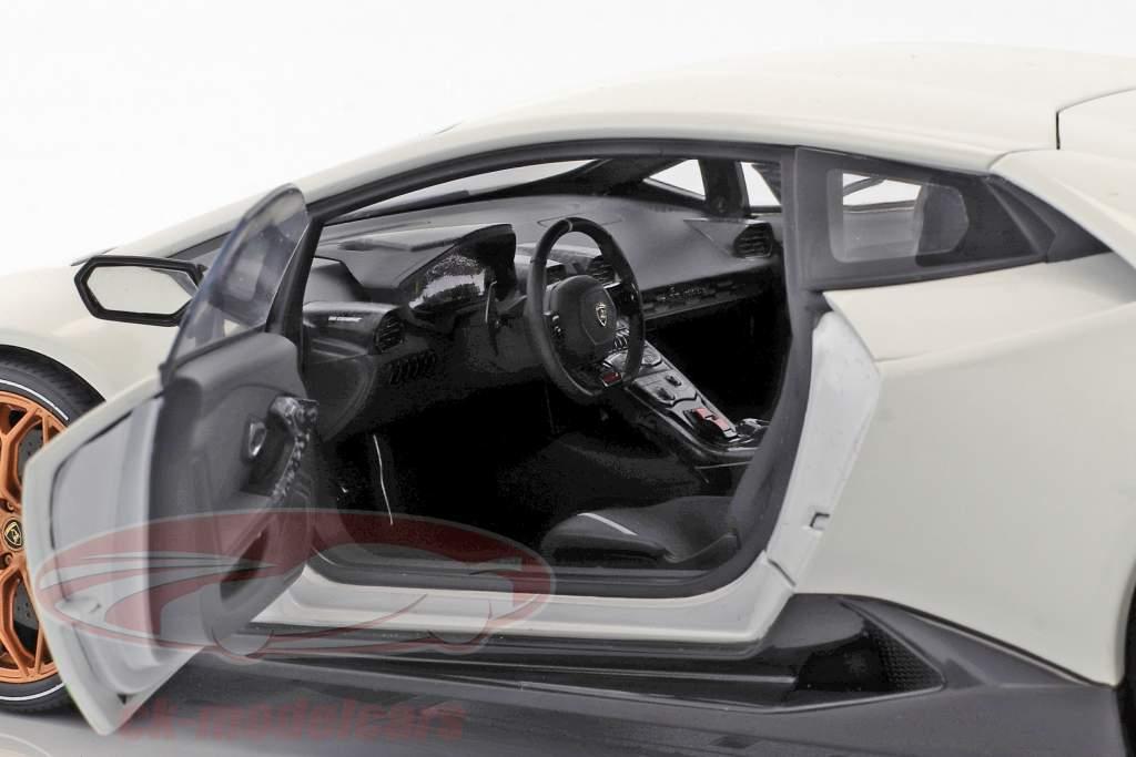 Lamborghini Huracan Performante ano de construção 2017 monocerus branco 1:18 AUTOart