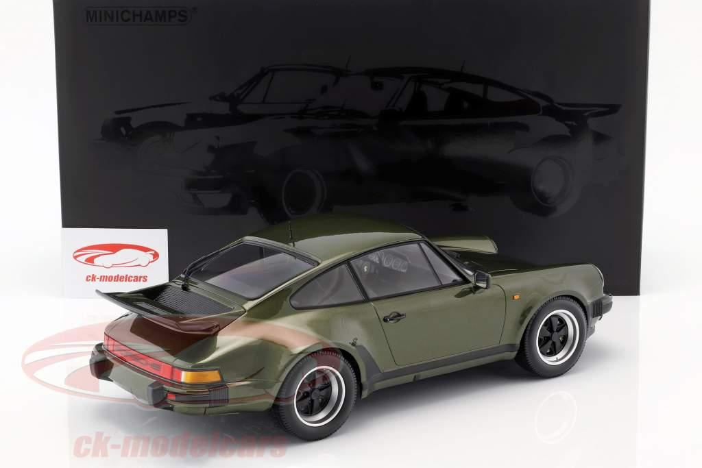Porsche 911 (930) Turbo Bouwjaar 1977 olijf groen 1:12 Minichamps