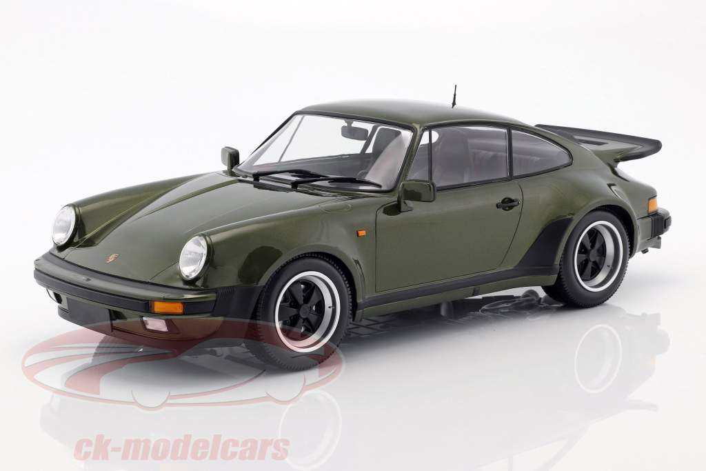 Porsche 911 (930) Turbo Opførselsår 1977 oliven grøn 1:12 Minichamps