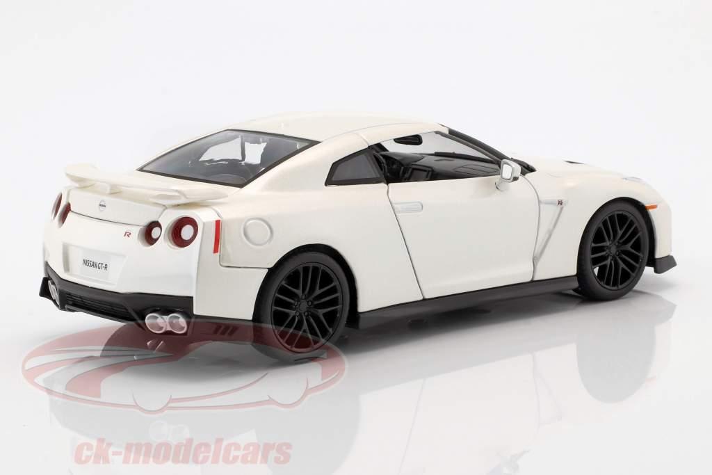 Nissan GT-R année de construction 2017 blanc perle 1:24 Bburago