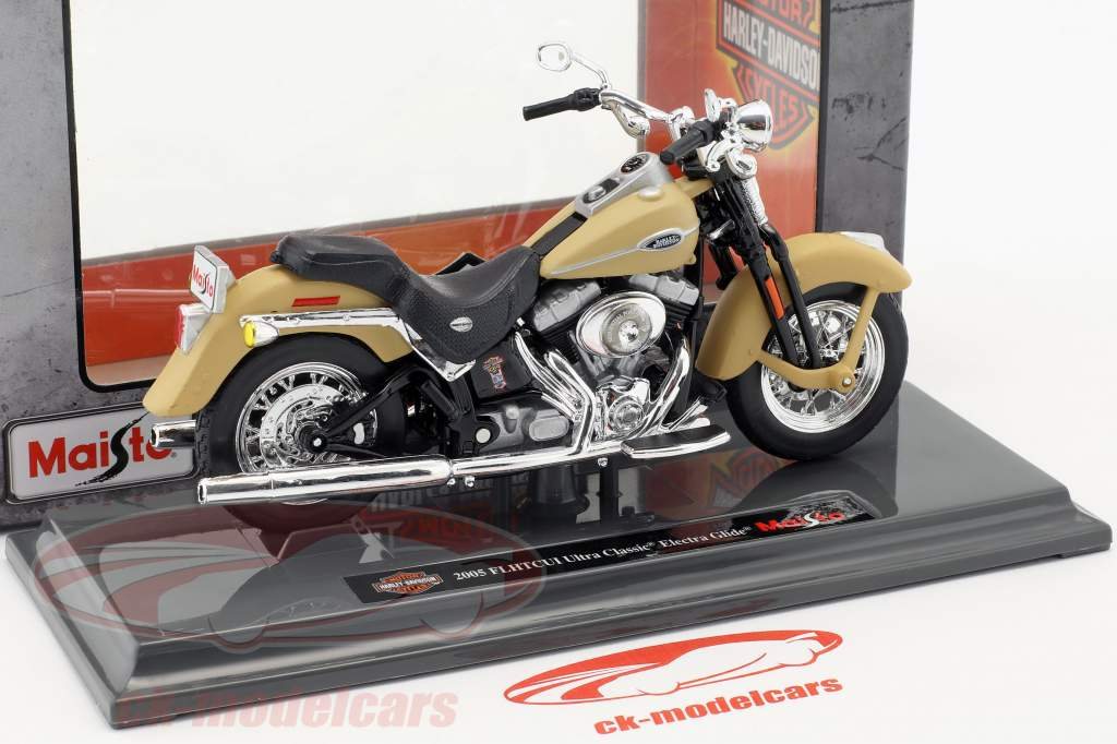 Harley-Davidson FLHTCUI Ultra Classic Electra Glid anno di costruzione 2005 beige 1:18 Maisto