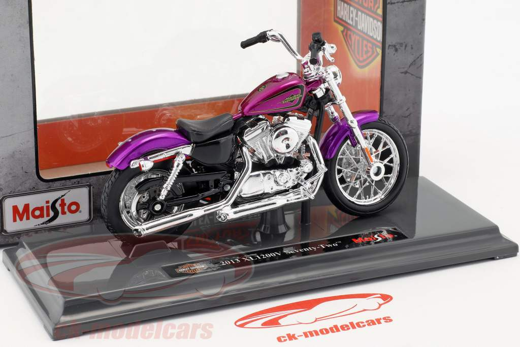 Harley-Davidson XL 1200V Seventy-Two ano de construção 2013 violeta 1:18 Maisto