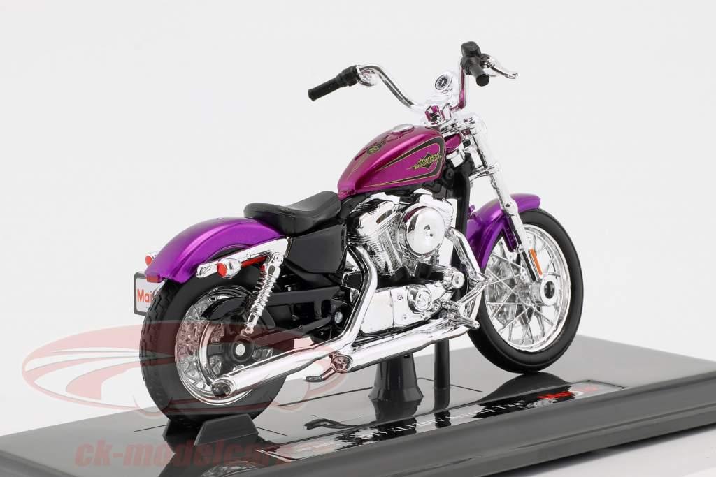 Harley-Davidson XL 1200V Seventy-Two Opførselsår 2013 violet 1:18 Maisto