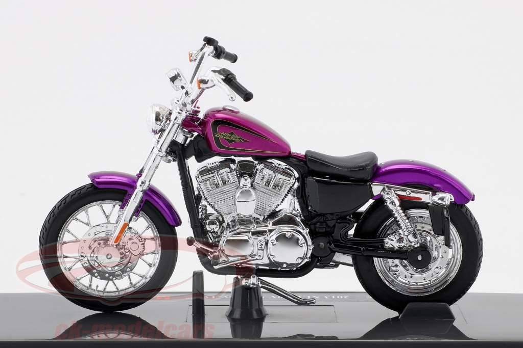 Harley-Davidson XL 1200V Seventy-Two anno di costruzione 2013 viola 1:18 Maisto