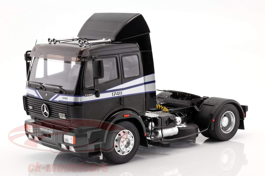 Mercedes-Benz SK 1748 Traktor Opførselsår 1990 sort 1:18 OttOmobile
