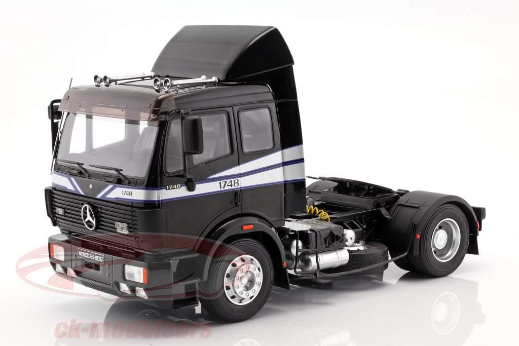 Mercedes-Benz SK 1748 trekker Bouwjaar 1990 zwart 1:18 OttOmobile
