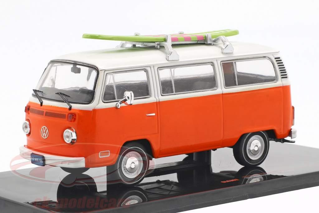 Volkswagen VW T2 Bus con surf anno di costruzione 1975 arancione / bianco 1:43 Ixo
