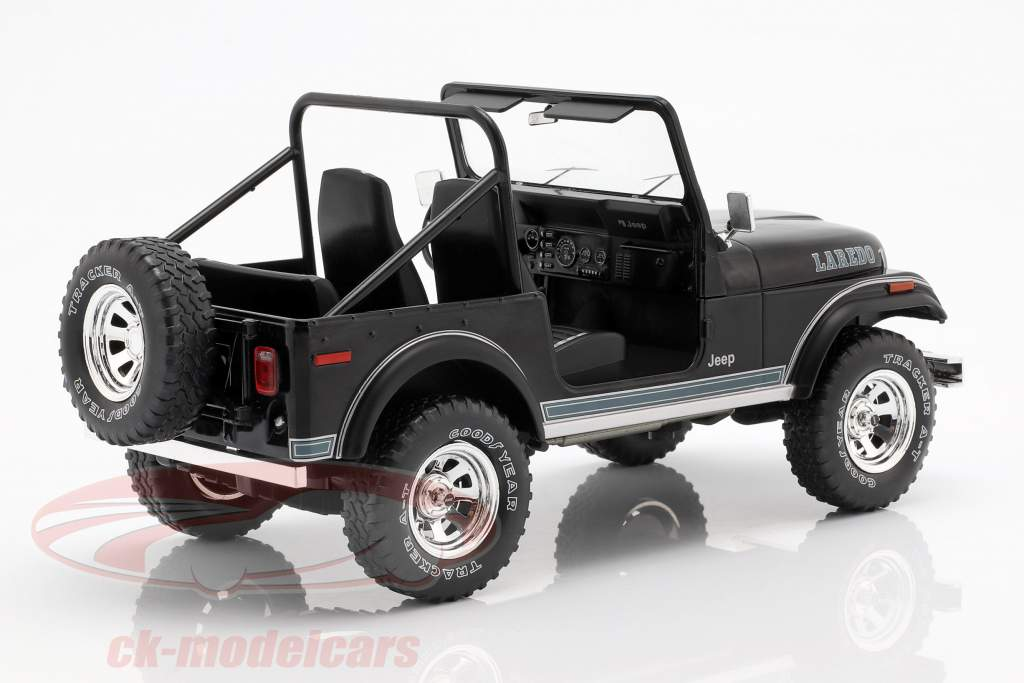Jeep CJ-7 Laredo année de construction 1976 noir 1:18 Model Car Group