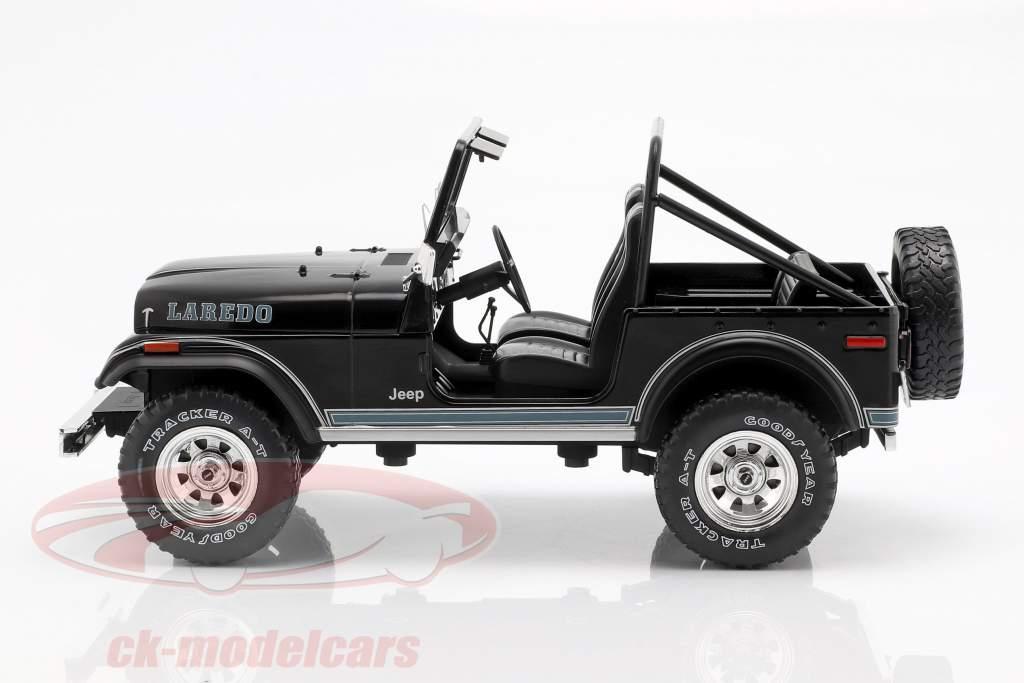 Jeep CJ-7 Laredo Bouwjaar 1976 zwart 1:18 Model Car Group