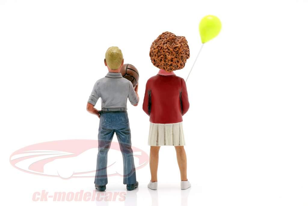 Figura conjunto 2 niños con globo y bola 1:18 LeMansMiniatures