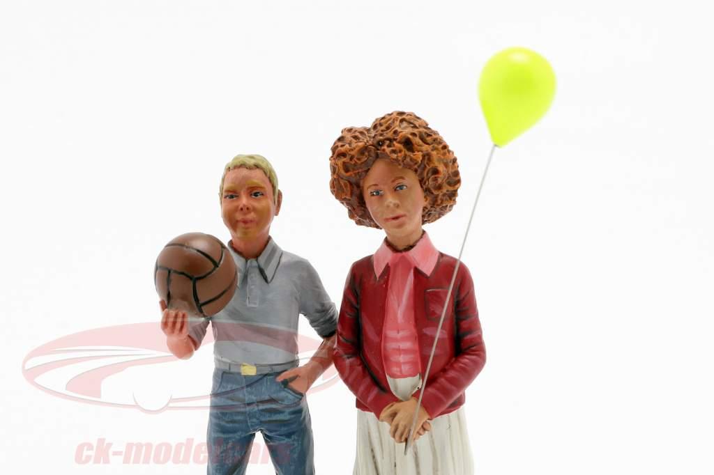 Figur Set 2 børn med ballon og bold 1:18 LeMansMiniatures
