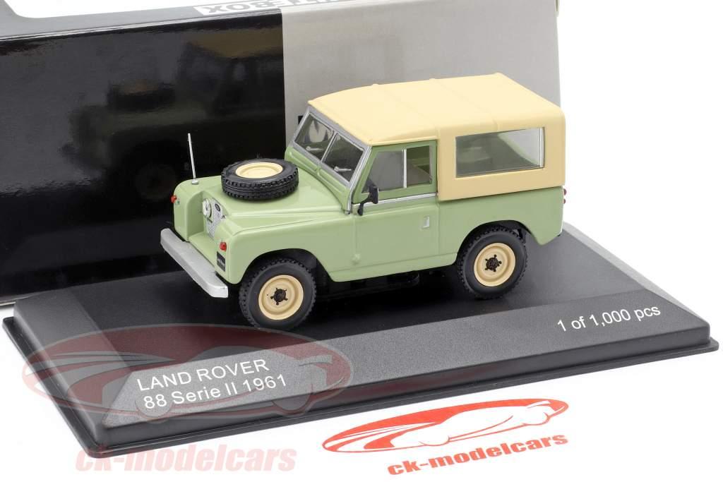 Land Rover 88 Serie II Baujahr 1961 hellgrün / beige 1:43 WhiteBox