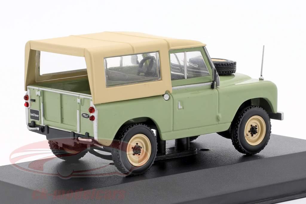 Land Rover 88 série II ano de construção 1961 brilhante verde / bege 1:43 WhiteBox