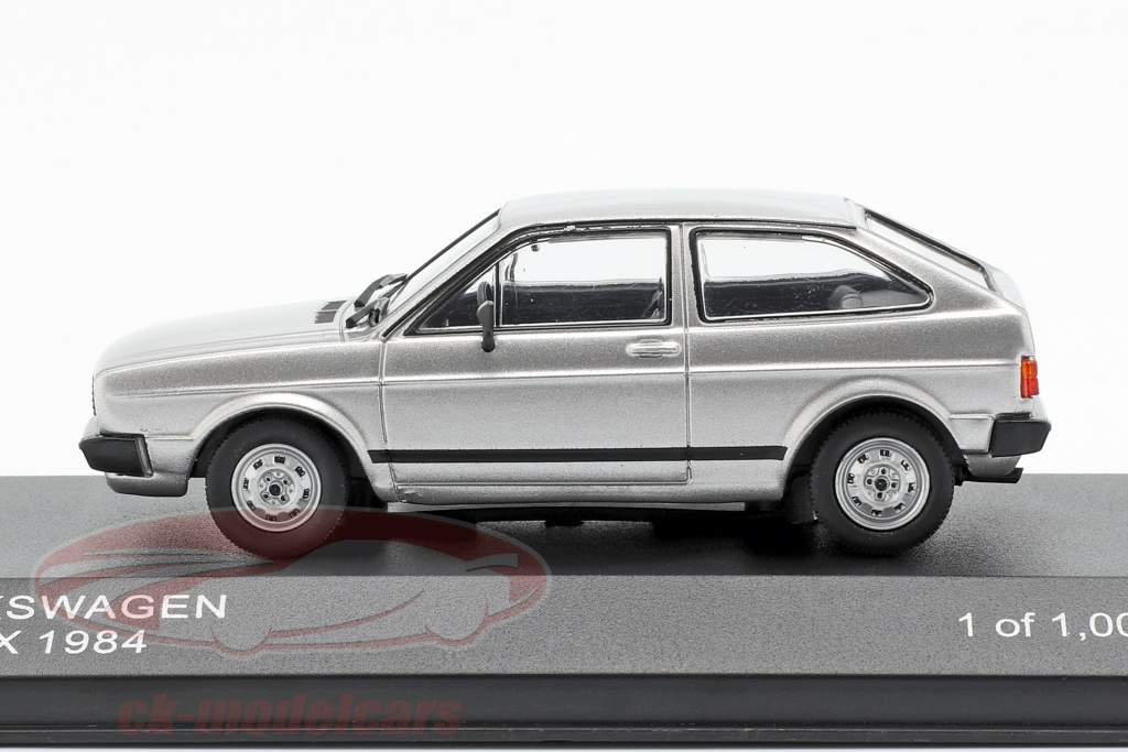 Volkswagen VW Gol BX Opførselsår 1984 sølv metallisk 1:43 WhiteBox