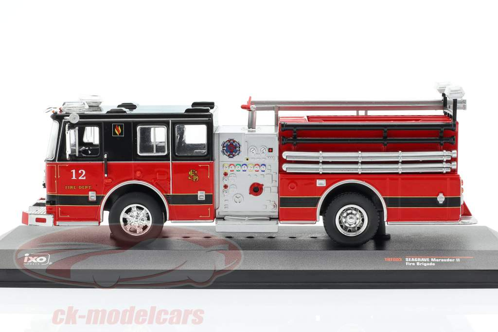 Seagrave Marauder II brandvæsen rød / sort 1:43 Ixo
