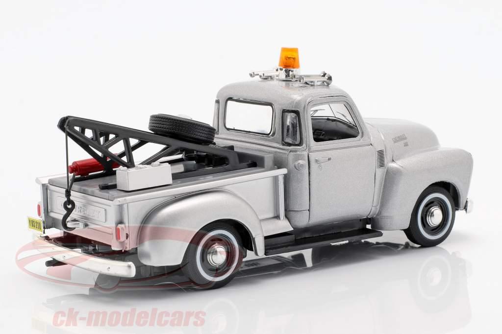 Chevrolet C3100 Tow Truck silver metallic 1:43 Cararama