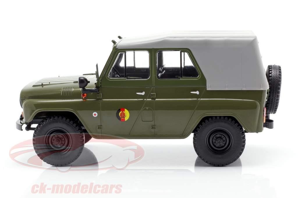UAZ 469 NVA oliven / lysegrå 1:18 PremiumClassiXXs
