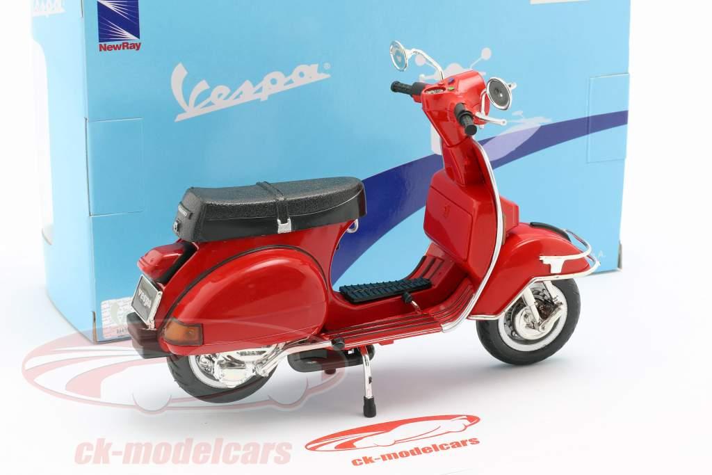 Vespa P200E del year 1978 red 1:12 NewRay