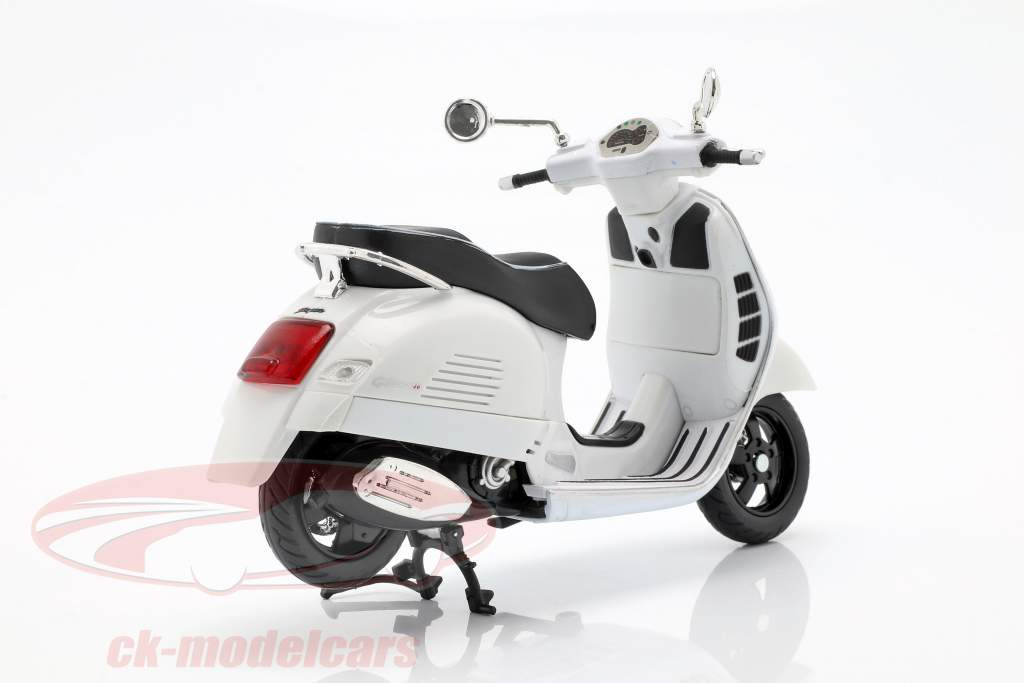 Vespa GTS 300 Super bianco 1:12 NewRay