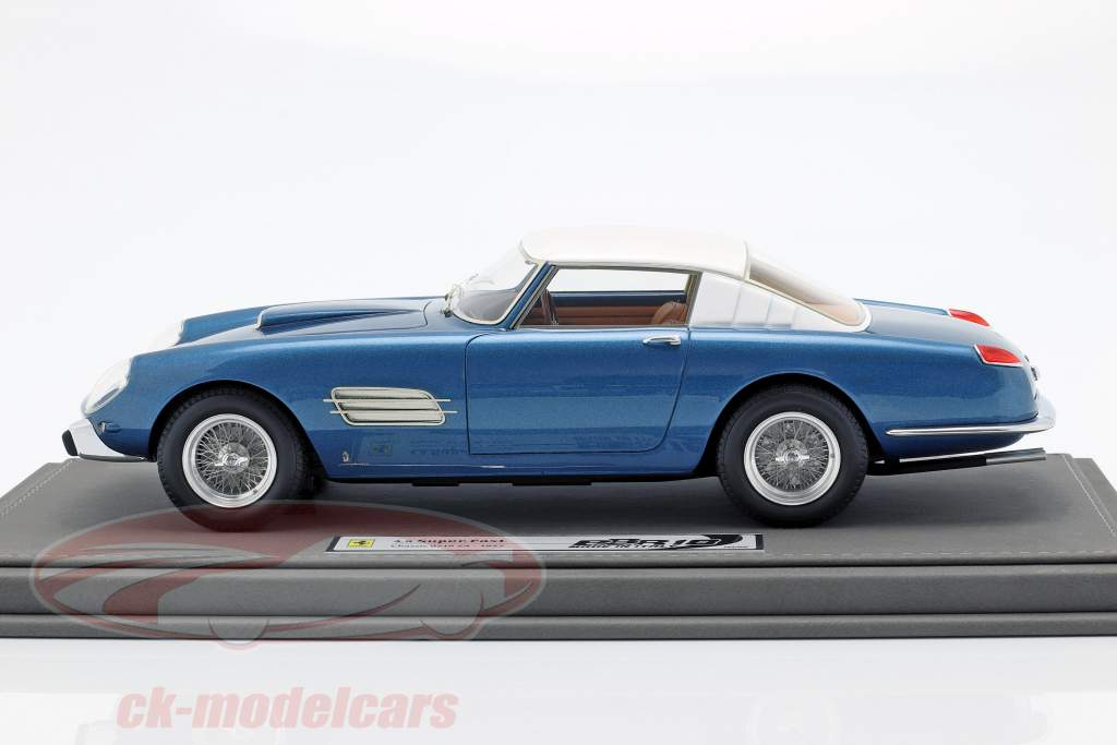 Ferrari Superfast 4.9 Salon Parigi 1957 azul claro / blanco 1:18 BBR