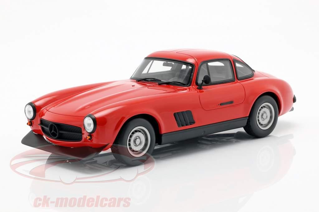 Mercedes-Benz AMG 300 SL ano de construção 1974 vermelho 1:18 OttOmobile