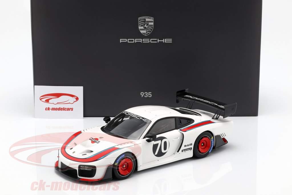Porsche 935 #70 2018 basé sur 911 (991 II) GT2 RS  avec vitrine 1:18 Spark