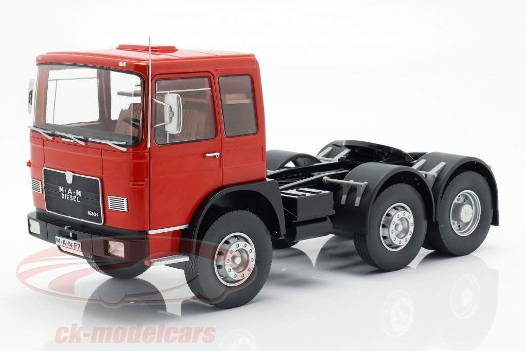 M.A.N. 16304 (F7) Tractor year 1972 red / black 1:18 Road Kings