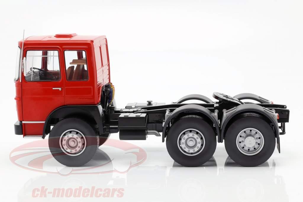 M.A.N. 16304 (F7) tractor año de construcción 1972 rojo / negro 1:18 Road Kings