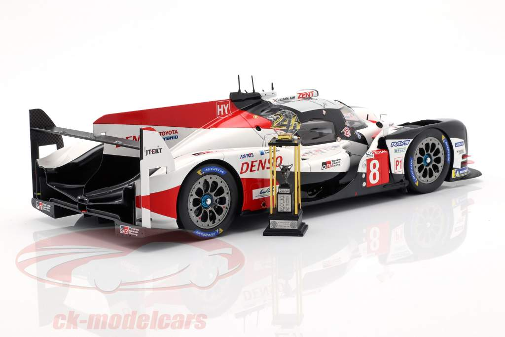 Toyota TS050 Hybrid #8 ganador 24h LeMans 2018 Buemi, Nakajima, Alonso 1:18 Spark