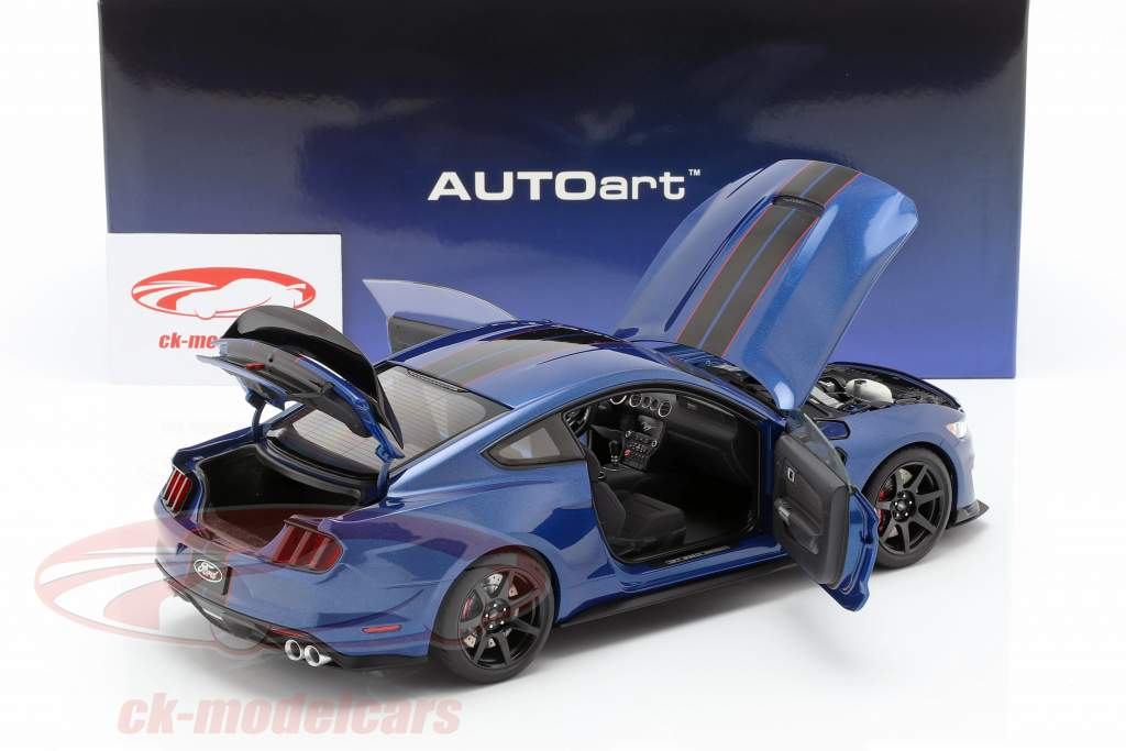 Ford Mustang Shelby GT350R year 2017 blue / black 1:18 AUTOart
