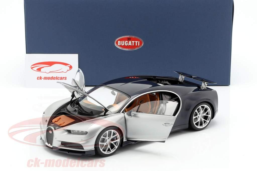 Bugatti Chiron año de construcción 2017 plata / Atlántico azul 1:18 AUTOart