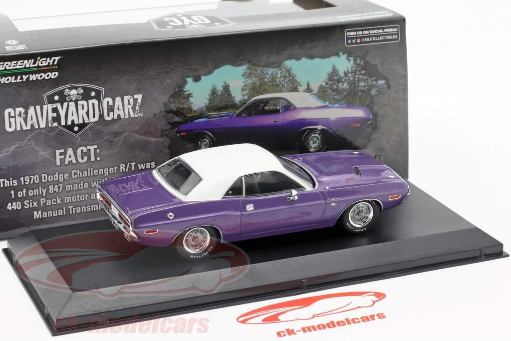 Dodge Challenger R/T year 1970 TV show Graveyard Carz (since 2012) violet / White 1:43 Greenlight