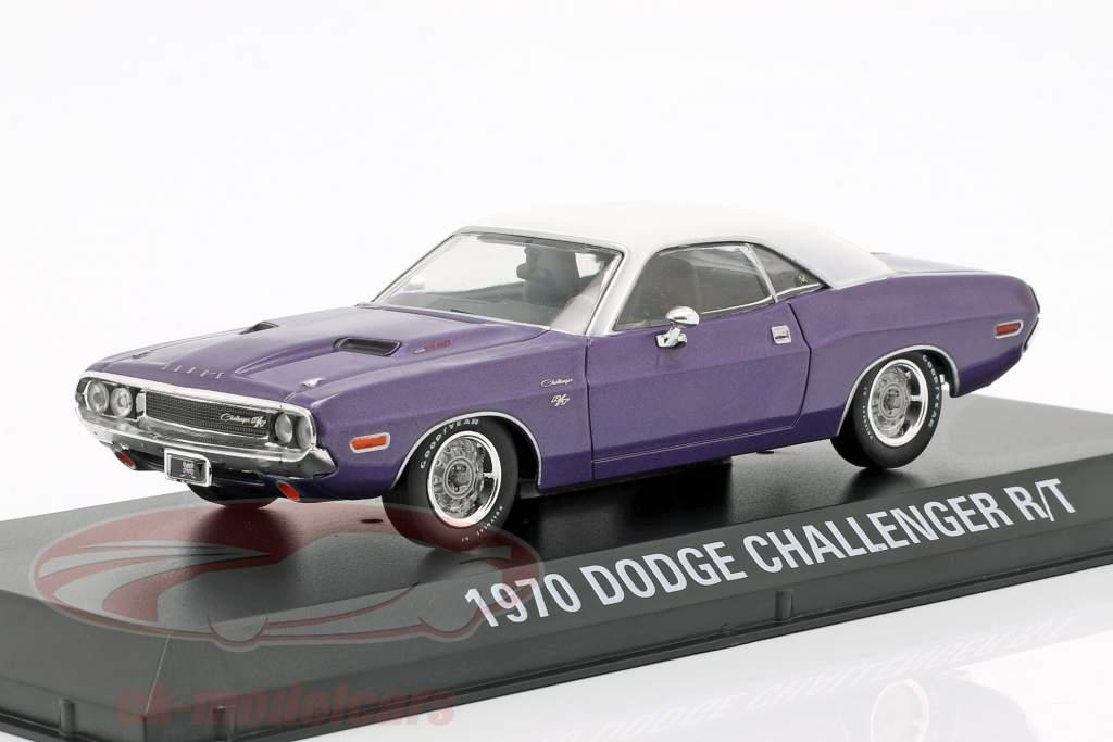 Dodge Challenger R/T año de construcción 1970 programa de televisión Graveyard Carz (puesto 2012) violeta / blanco 1:43 Greenlight
