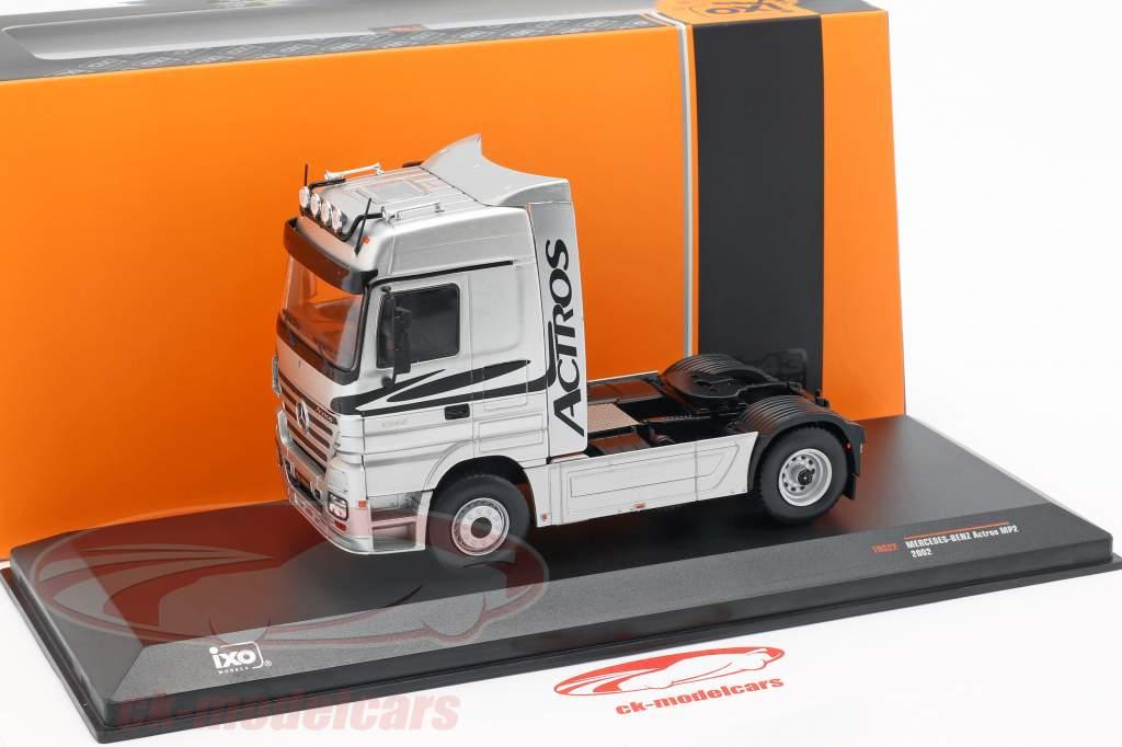 Mercedes-Benz Actros camión año de construcción 2002 plata 1:43 Ixo