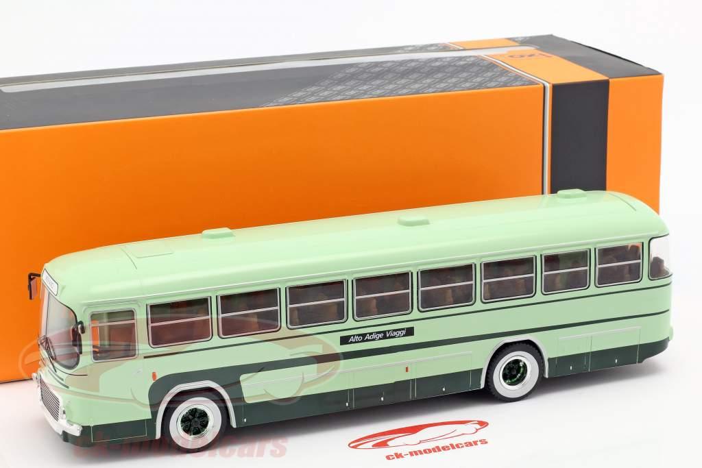 Fiat 306-3 bus Opførselsår 1972 grøn 1:43 Ixo