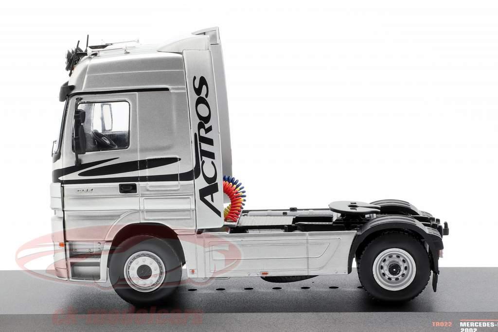 Mercedes-Benz Actros Truck year 2002 silver 1:43 Ixo
