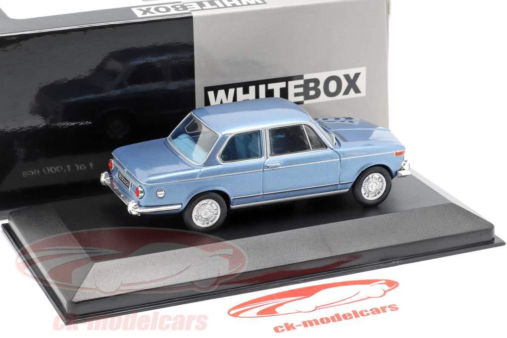 BMW 2002 ti Bouwjaar 1968 lichtblauw metalen 1:43 WhiteBox