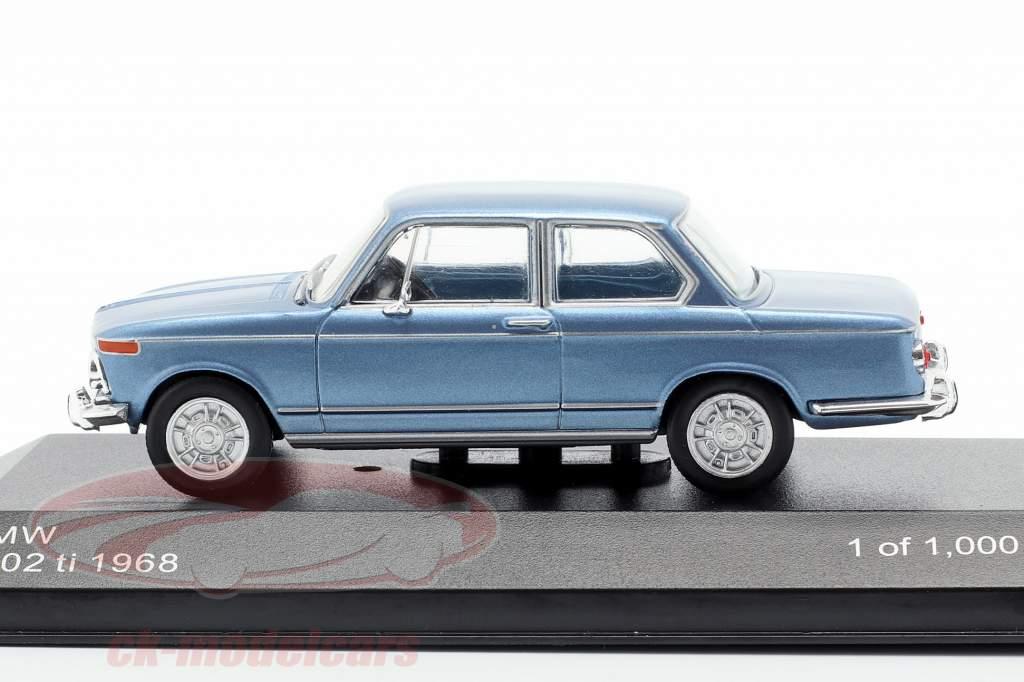 BMW 2002 ti Opførselsår 1968 lyseblå metallisk 1:43 WhiteBox