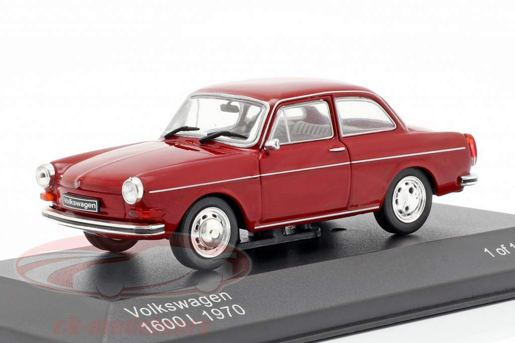Volkswagen VW 1600 L Bouwjaar 1970 donker rood 1:43 WhiteBox