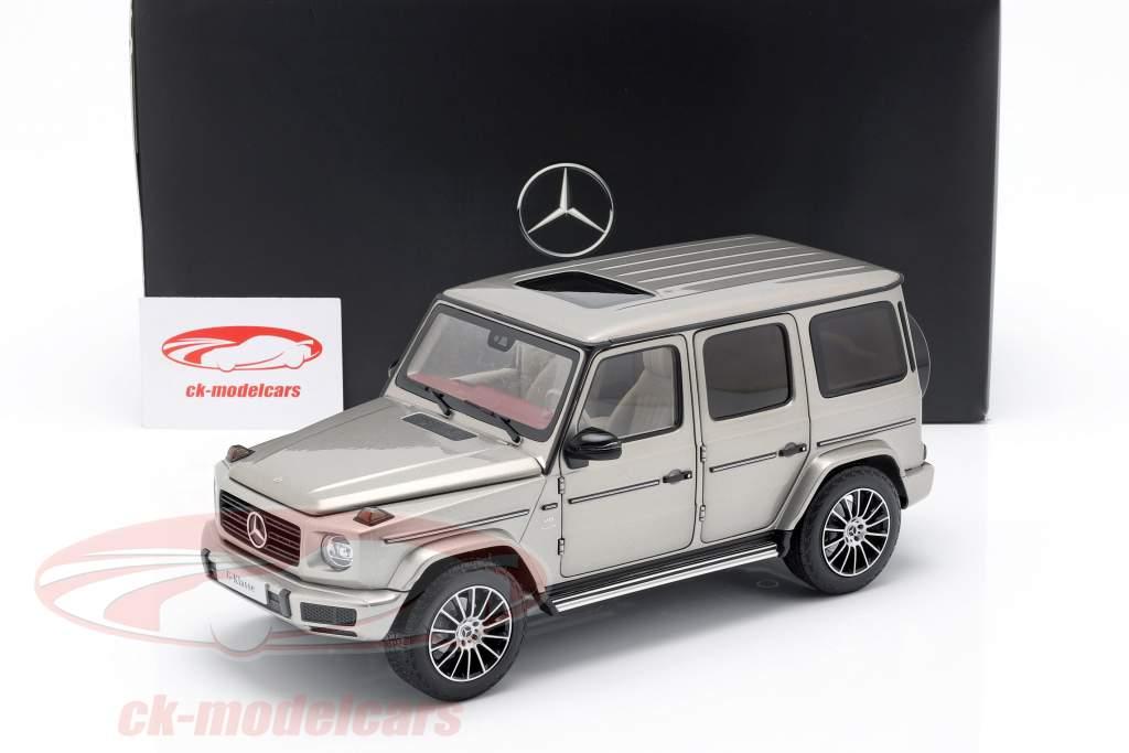 Mercedes-Benz G-klasse W463 40 år 2019 mojave sølv metallisk 1:18 Minichamps