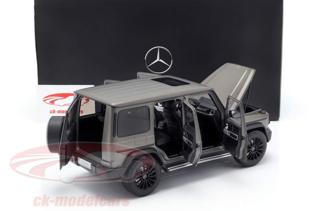 Mercedes-Benz G-classe W463 40 anos 2019 monza cinza magno 1:18 Minichamps