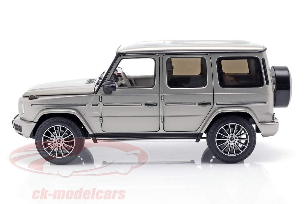 Mercedes-Benz G-Klasse W463 40 Jahre 2019 mojavesilver metallic 1:18 Minichamps