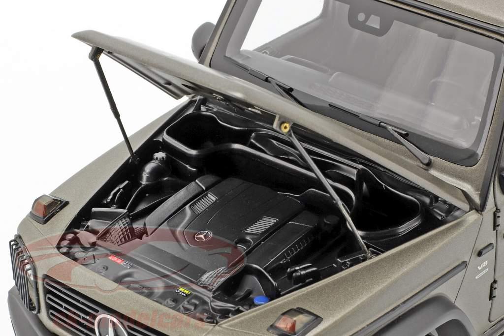 Mercedes-Benz G-Klasse W463 40 Jahre 2019 monza grau magno 1:18 Minichamps