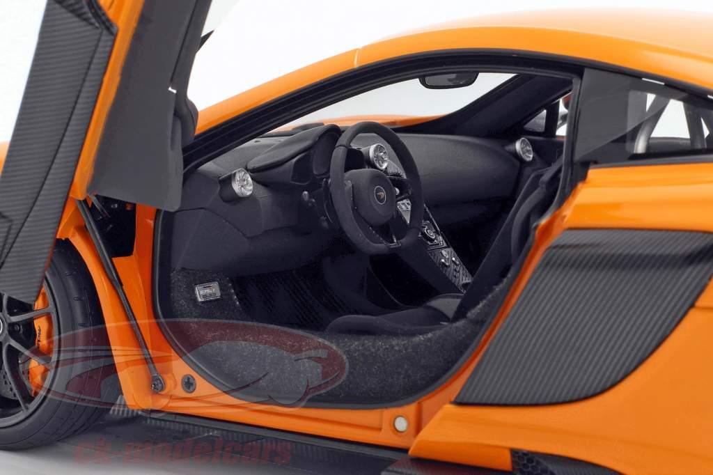 McLaren 675LT ano de construção 2016 McLaren laranja 1:18 AUTOart