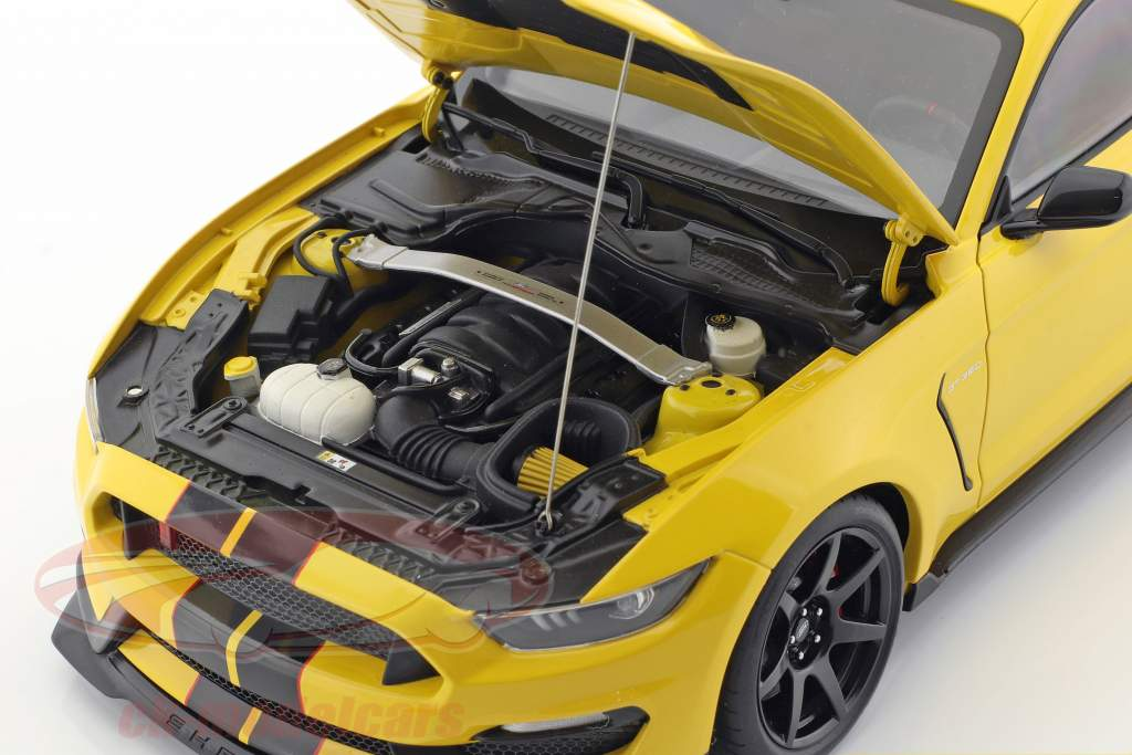 Ford Mustang Shelby GT350R Opførselsår 2017 gul / sort 1:18 AUTOart