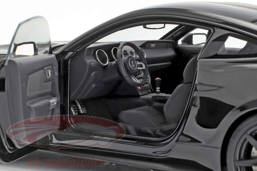 Ford Mustang Shelby GT350R Bouwjaar 2017 zwart / mat zwart 1:18 AUTOart
