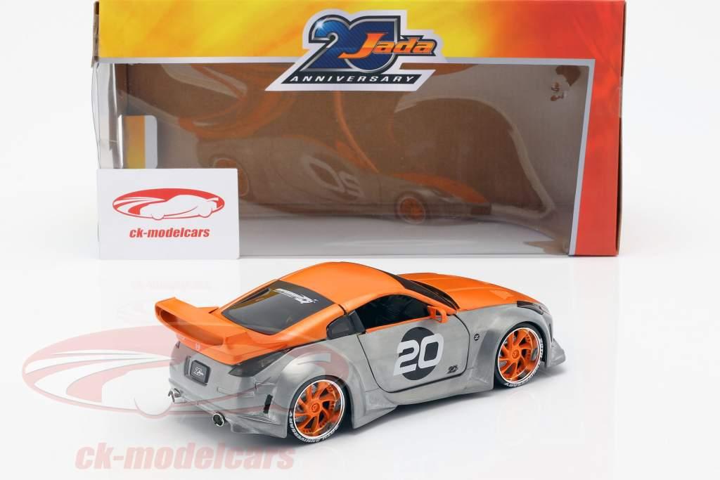 Nissan 350Z #20 year 2003 silver / orange 1:24 Jada toys