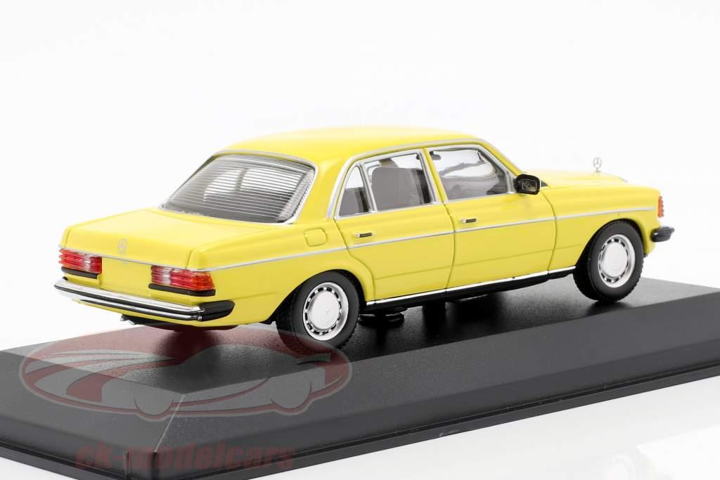 Mercedes-Benz 230 E (W123) Bouwjaar 1982 geel 1:43 Minichamps